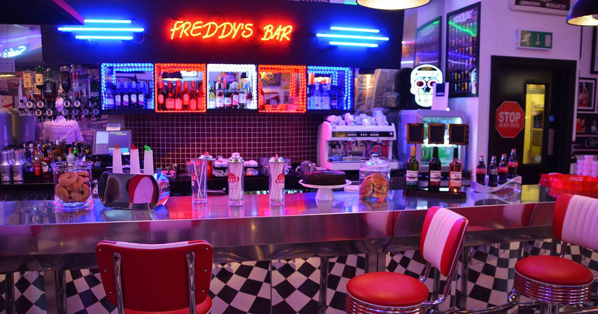 Bares tem ticos arquitectura y dise o grupo riofr o - Decoracion de bares tematicos ...